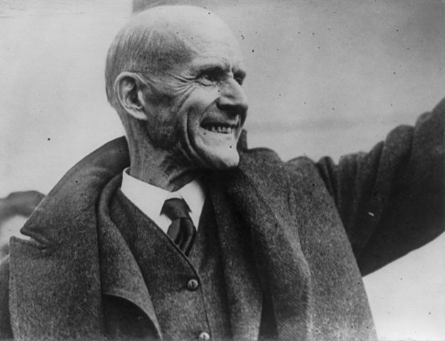 Eugene_Debs_released_from_prison,_1921.jpg